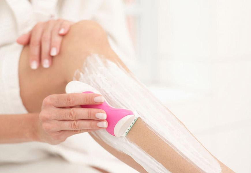Raspe os pelos com cuidado para ter uma pele saudável - Dermatologista Curitiba - Clínica CMP