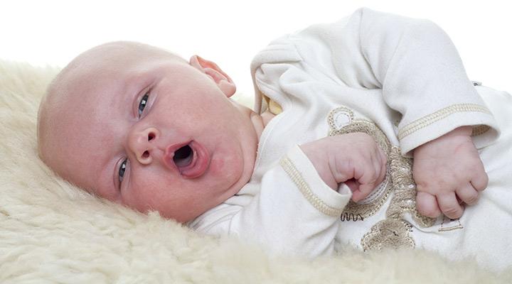 Refluxo Gastroesofágico: como saber se o bebê tem - Pediatra Curitiba - Clínica CMP